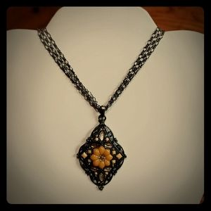 Jewelry - Vintage dark silver toned choker necklace